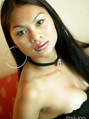 Smokin hot Thai model Tailynn Flashing Pussy
