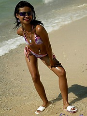 Hot Thai babe Tussinee showing off her new bikini