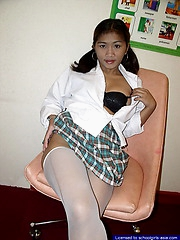 Naughty country schoolgirl flashing her brown holes for a few bucks