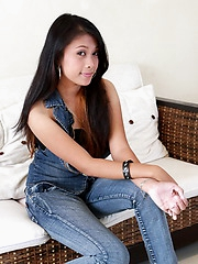 This teenage student drops her jeans and her panties to flash her bald love orifice