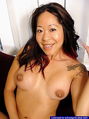 Luscious college student proudly flashong her big boobies and her perfectly shaved pussy