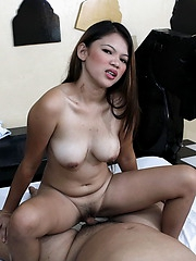 Chubby Faith rides a cock bareback to make some pocket money