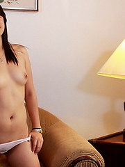 Cute Queeny strips to show off her mouth watering nubile body