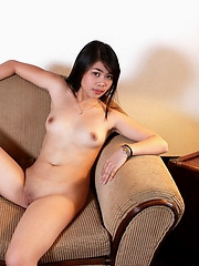 Cute Queeny strips to show off the brush mouth watering nubile body
