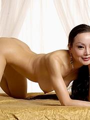 Flexible babe Ange Venus nude