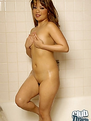 Sexy Mimi nude in bathtub