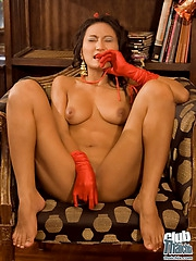 Thai Christmas girl Rowena with dildo