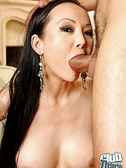 Ange Venus sucking and riding rod