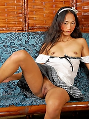 Cute girl Jewel showing pussy