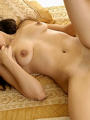 Shaved cutie Lielani spreading