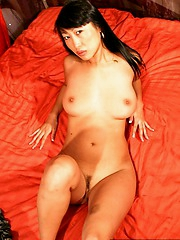 Sharon Lee dropping black panties