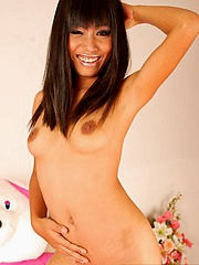 Thai Jun posing nude in borderline
