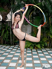 Thai babe Ploy topless hula hooping