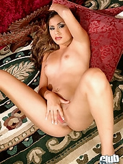 Shaved Michelle Maylene spreading