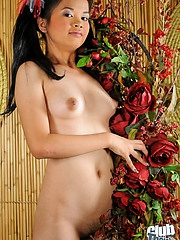 Aina totally nude and spreading