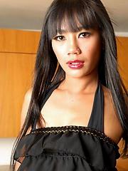 Thai Sherri pulling panties