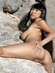 Sharon Lee showing her great body