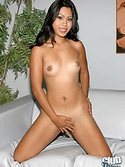 Pornbabe Kyanna Lee totally naked
