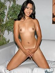 Pornbabe Kyanna Lee totally naked
