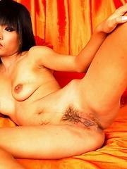 Thai model Jun spreading pussy