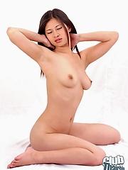 Thai babe Beem posing nude