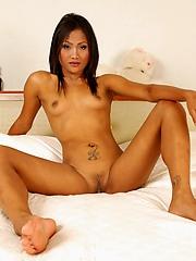 Thai cutie Kandi nude in bed