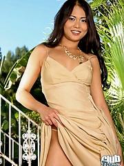 Outdoor striptease with Naomi Zen