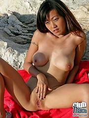Open-air mastubation with Akiko