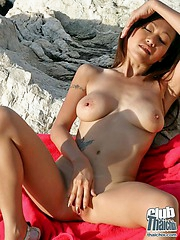Outdoor mastubation with Akiko