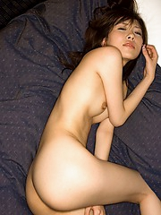 Sexy Sakuragi smiles as she is waiting naked for her boyfriend to come home