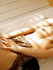 Sumire is a dancer who enjoys flaunting her pussy to the guys she sees