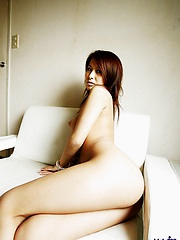 Naughty Reina is showing off her hot assets while awaiting her dates arrival