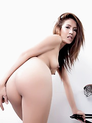 Thai girl Irene posing her sexy body