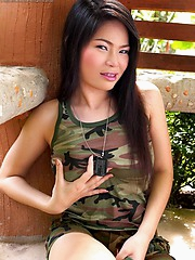 Out on a section 8 Rin still thinks shes army