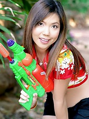 Ying Charintip cools off on the shade with her super soaker
