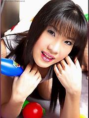 Kieko Kyo shows off her tight little snatch