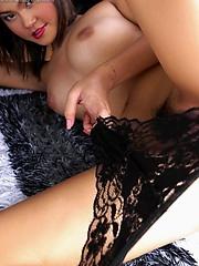 Wee Wansa in some erotic bedroom closeups