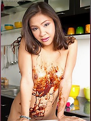 Cha Cha rubs chocolate all over her luscious body