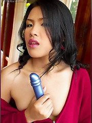 Aime Copony takes her vibrator out for a spin
