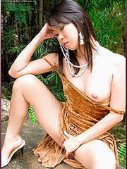 Olive Moon and her pussy enjoy outdoor breeze