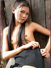 Pink Pampa slips out of her tight black dress