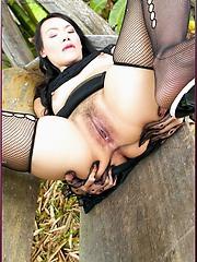 Tuk Mayuri tries on her brand new tight nylons