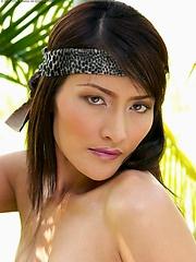 1970s Thai super groupie Bella Yong takes a break