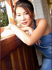 Stunning and gorgeous Asian beauty Hiroko Rumi