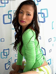 Teaza teasing us in her green garments