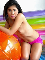 Stunning Asian gal flaunts her incredible naked body