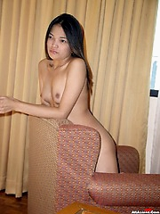 Filipina gal give hot handjob