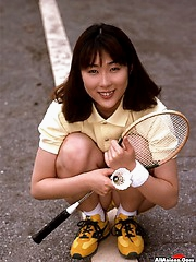 Squash girl pays her bet with pussy