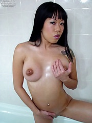 Asian gal Maja banging herself in the shower