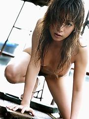 Stunning babe Honoka naked at the beach